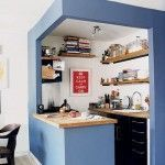 Una cocina pequeña con ideas de decoración actuales