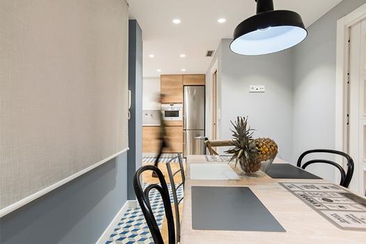 Cómo decorar una cocina de estilo vintage con acento contemporámeo por Jessica Zueras.